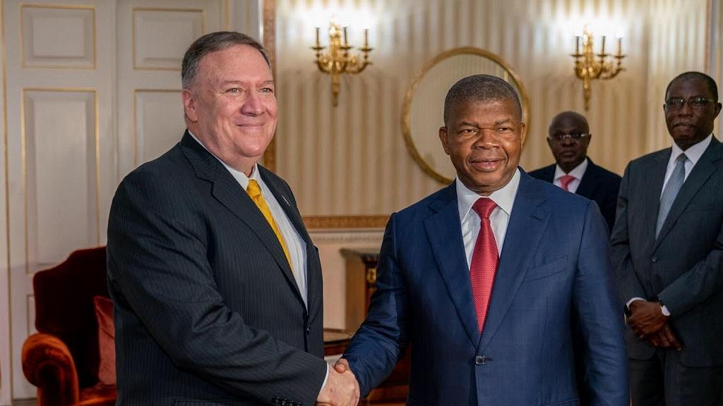 En Angola, Mike Pompeo salue les efforts anti-corruption...